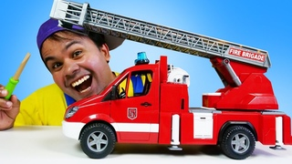 A escada do caminhão de bombeiro de brinquedo quebrou! Brincadeira educativa em português