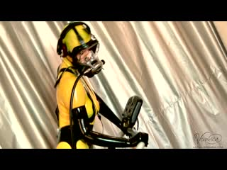 Yellow catsuit in scba