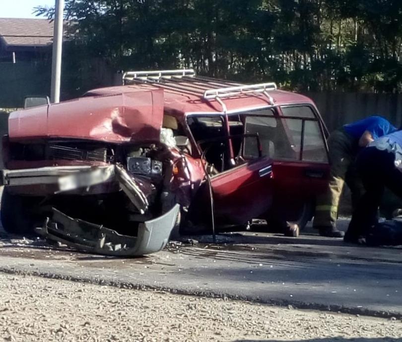 Под Таганрогом в результате столкновения «ВАЗ-21043» и Nissan Almera, погиб человек, еще один пострадал