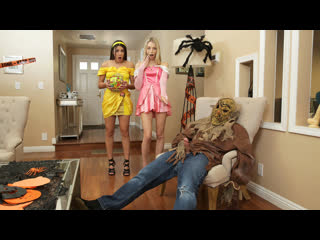 [StepSiblingsCaught] Kylie Rocket, Lily Larimar - Step Brothers Trick And Treat Nubiles-Porn Инцест Teen Hallowen Brazzers Порно