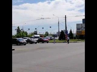 В Волгограде из-за кортежа Валентины Матвиенко задержали проезд скорой.