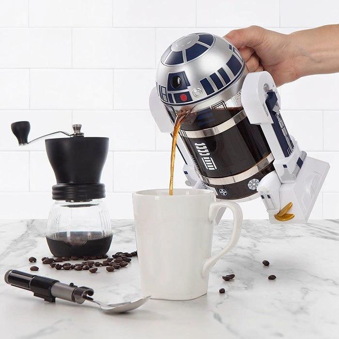 R2-D2 братишка что они с тобой сделали