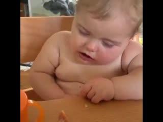 Когда не знаешь что хочешь больше есть или спать