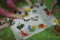 Чем занимаются дети в детском саду?