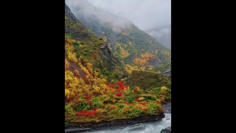 Анзор on Instagram Сказочная осень в горах Ахтынского района По дороге в высокогорный аул Фий ⠀ Пейзажи тут действительно не