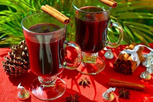 КАК ПРИГОТОВИТЬ ГЛИНТВЕЙН Как раз кстати к осенним вечерам) Ингредиенты:Вино красное 750 млАпельсин 2 шт.Лимон 1/2 шт.Корица 2 палочкиГвоздика 6 зубчиковОрех мускатный 1 щепоткаСахар 1/3
