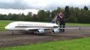 Ferngesteuert Gigantic A 380 Singapore Airlines Peter Michel Hausen a A 2013