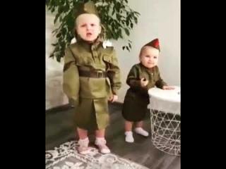 Дети поют Катюшу. СУПЕР исполнение песни.