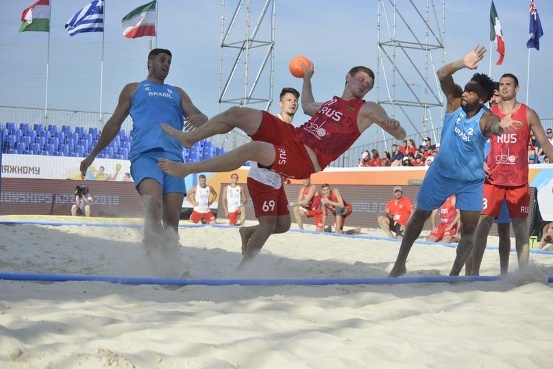Все — на пляж! Станет ли песчаный гандбол олимпийским?, изображение №1