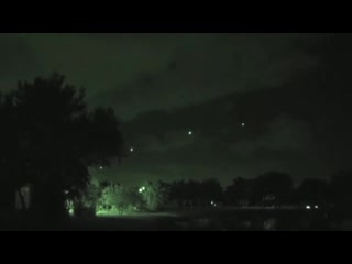 Эскадрилья НЛО пролетела над городом Ютика, штат Нью-Йорк, США