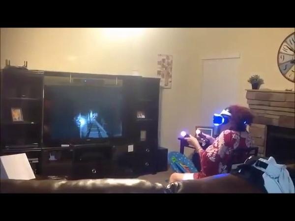 Бабушка и виртуальная реальность **