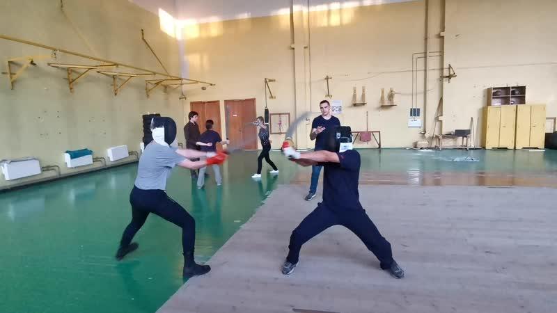 Тренировка полуторный мечи