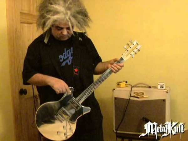 Melvins Lesson King Buzzo Introduces His New Guitar
