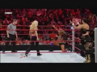 WWE RAW 12/07/2009: Eve & Hornswoggle Vs Jillian & Chavo Guerrero