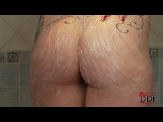 Paige - Share A Shower With Paige