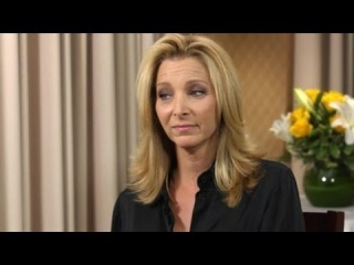"The Origin Of ""Smelly Cat"": Lisa Kudrow Answers Social Media Questions 