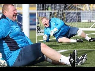 Wayne Shaw best saves goalkeeper