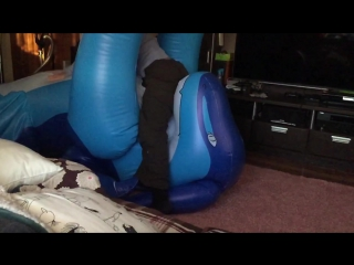 Inflatable zenith riding in slow motion