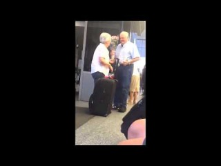This adorable elderly couple reunited at the airport will restore your faith in romance