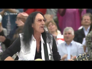 KEN HENSLEY - Lady In Black 2015