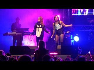 Demi performant Cool For The Summer et Heart Attack au NRJ Music Tour - Saint Quentin, France