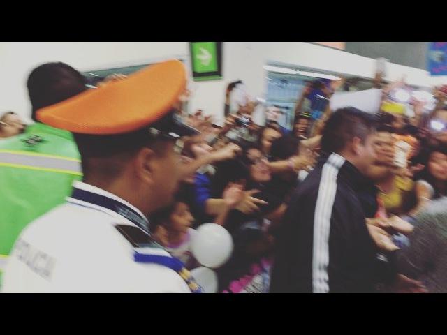 """Abraham Mateo A/\ on Instagram: """"Gracias MEXICO! ❤️ vaya recibimiento No pudimos salir por la puerta principal porque fue decision de la seguridad del aeropuerto! Os…"""""""