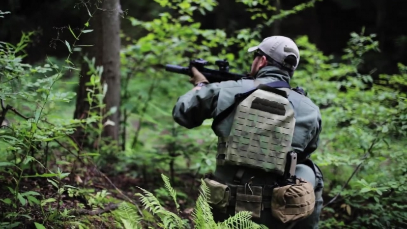 Husar. Noble Concrete plate carrier.