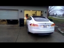 С новым обновлением программного обеспечения Tesla Model S может парковать себя