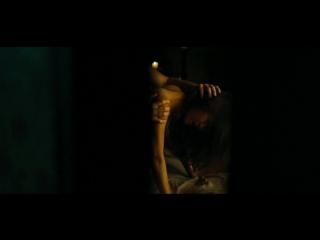 Kelly Hu - Farm House (2008) (эротическая постельная сцена из фильма знаменитость трахается голая sex scene)