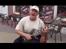 Дядя Ваня попросил инструмент и гитара запела