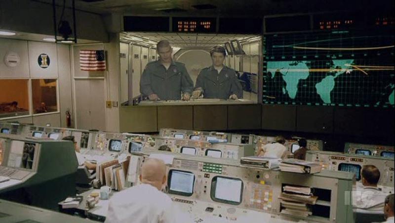 Неудачный розыгрыш на космической станции Городские приматы