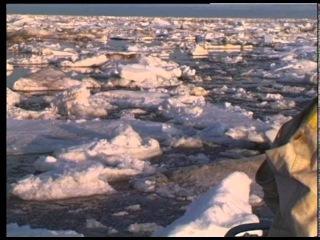 """Яхта """"Апостол Андрей"""" во льдах Канады"""