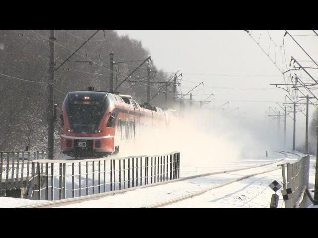 Штадлерские дизель поезда на ст Лагеди Stadler DMU trains at Lagedi station