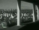Девушка спешит на свидание (1936). Одна из лучших советских муз. комедий 1930-х годов. В кадре и за кадром звучит джаз-оркестр п/у Я. Скоморовского.