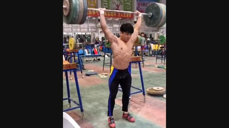 Massive 140kg Push Press by Zheng XinChen from FuZhou