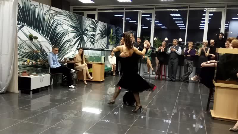 Нани Перальта и Анна Зеленова Мастер класс на милонге Второй танец