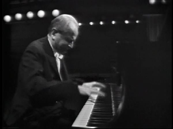 Beethoven - Rondo in G major for piano, Op.51, No.2 - Wilhelm Kempf (1964)