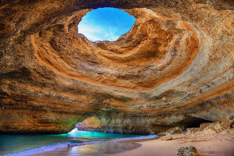 Алгар-де-Бенагил. Пляж в пещере. + Фото, изображение №5