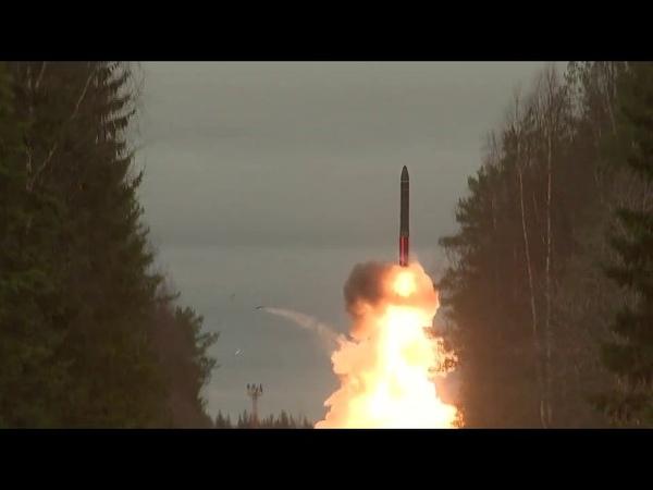 Пуск межконтинентальной баллистической ракеты ПГРК «Ярс» на космодроме Плесецк