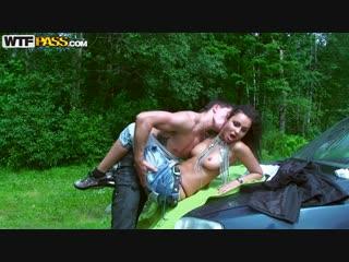 Jocelyn (  Drunk girlfriend seduced on picnic) Jocelyn Lioness [ CLASSIC PORNO ]