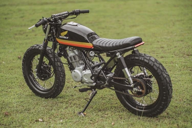 Revolt Cycles: трекер Honda TMX 150