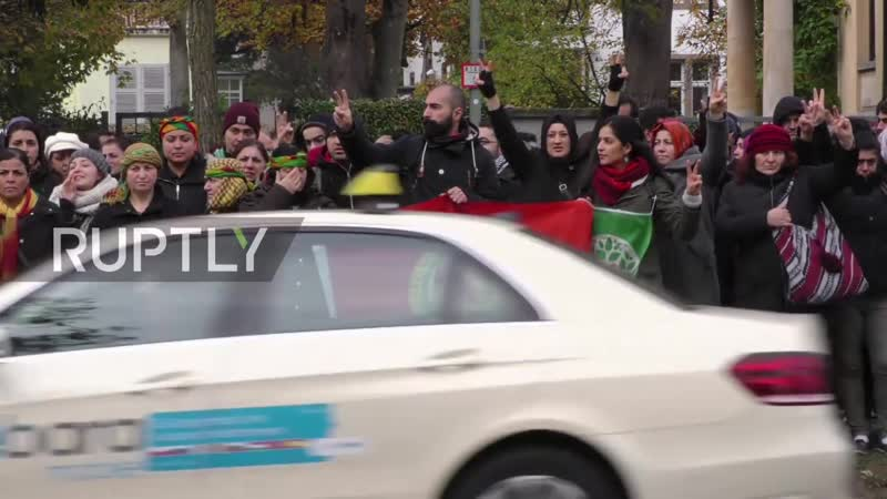 Germany_ Police beat back pro-Kurdish demo outside Turkish consulate (1080p_25fps_H264-128kbit_AAC)