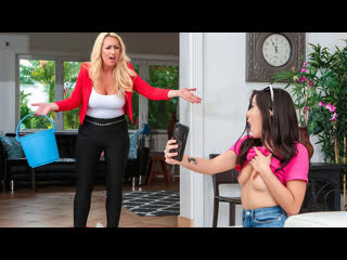 Janna Hicks, Natalie Brooks - Good Clean Licking Fun