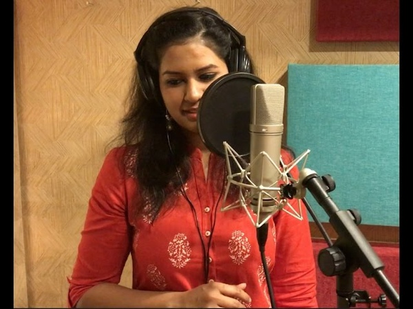 Lata Mangeshkar Malavun taak deep Cover by Saili Oak ft Ragini Shankar