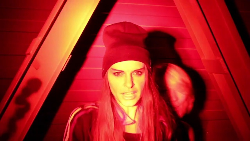Gravitones - Мизантроп feat. Karperka rap by Слойка (Official Video)