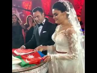 Прекрасный жест от жениха и невесты на свадьбе