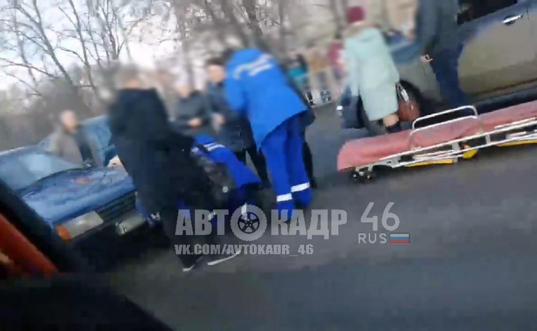 """В Курске водитель ехал на """"красный"""" и сбил ребёнка"""
