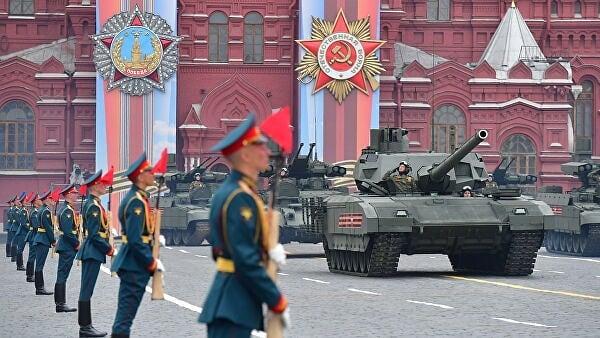 Президент России Владимир Путин принял решение о переносе парада Победы