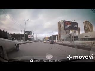 Момент ДТП на ул. 10 лет Октября (Ижевск)