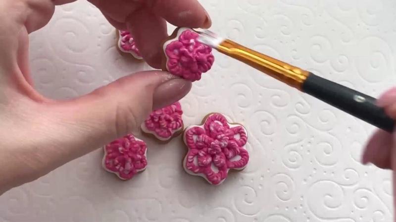 Роспись пряников глазурью Цветы в баночке к 8 Марта Мастер класс